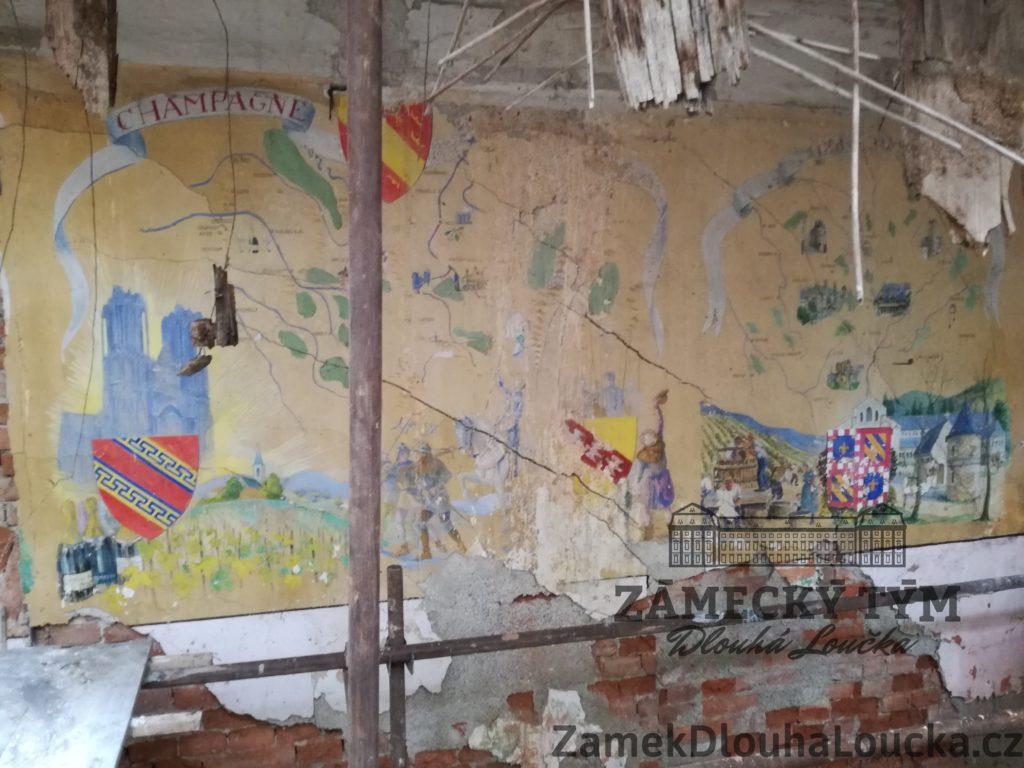 Fresky od Francouzských zajatců znázorňují oblasti jejich původu.